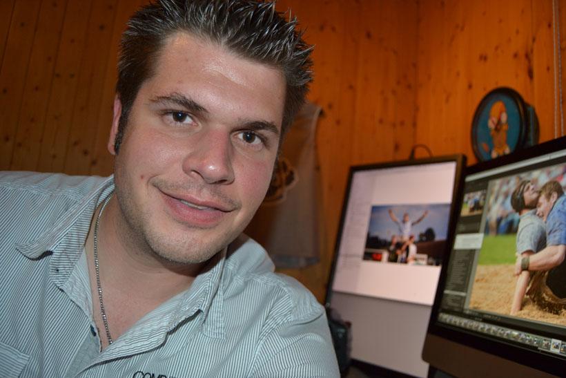 Über 50'000 Bilder macht Tobias Meyer aus Werthenstein an rund 25 Schwingfesten pro Jahr. Was er übers Fotografieren weiss, hat er sich mithilfe von ... - 0.58496000_1438604218